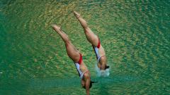 Мистериозно позеленя водата в басейн в Рио