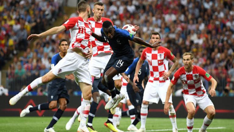 Франция 2 : 1 Хърватия 45′ ИГРАТА СЕ ПОДНОВЯВА! 45+1′