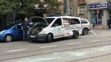 Нова катастрофа между линейка и кола в София
