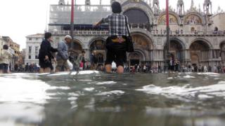 Проливните дъждове наводниха Венеция