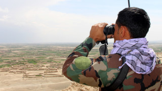 Талибаните обградиха централния афганистански град Газни