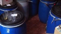 Митничари иззеха близо тон алкохол от гараж в Несебър