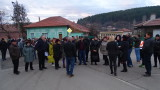 В Бобов дол плашат с гражданско неподчинение заради тежкотоварен трафик