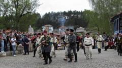 Възстановката в Клисура на боевете от Априлското въстание - на косъм от провал