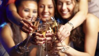 Жените до 35 г. пият повече от мъжете