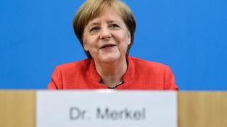 Европа да работи за обща оръжейна система, иска Меркел