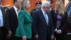 Клинтън охлади желанието на Палестина да промени статута си в ООН