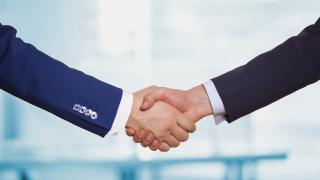 Fox на Рупърт Мърдок и британската Sky сключват сделка за милиарди паунда