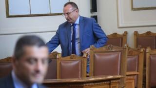 Порожанов нареди проверка в БАБХ заради некоректен доклад за чумата