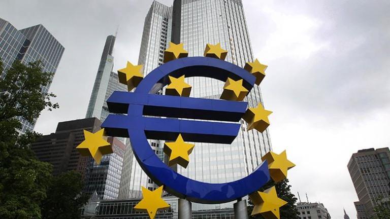 Еврото набира сили в очакване промяна в политиката на ЕЦБ