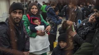 Приели сме само двама бежанци от определената от ЕС квота