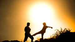 Как насилието върху децата се връща като бумеранг към родителя