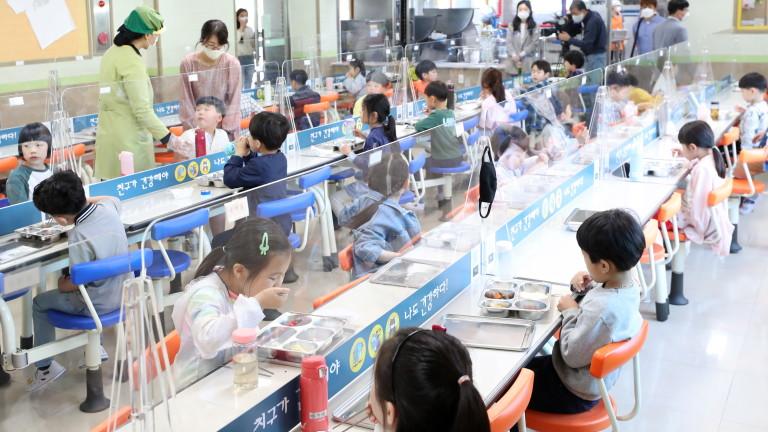 Южна Корея регистрира най-голямото увеличение на заразените с коронавирус за
