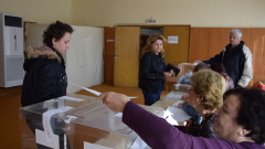 Членове на СИК в Кърджалийско се отказват в деня на вота