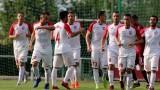 Кариана (Ерден) е новият лидер във Втора лига, тимът на Веско Великов удари и Локо (София)
