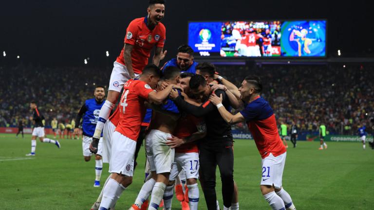 Защитаващият трофея си на Копа Америка Чили се класира за
