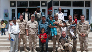 Наши военни дариха кабулско училище