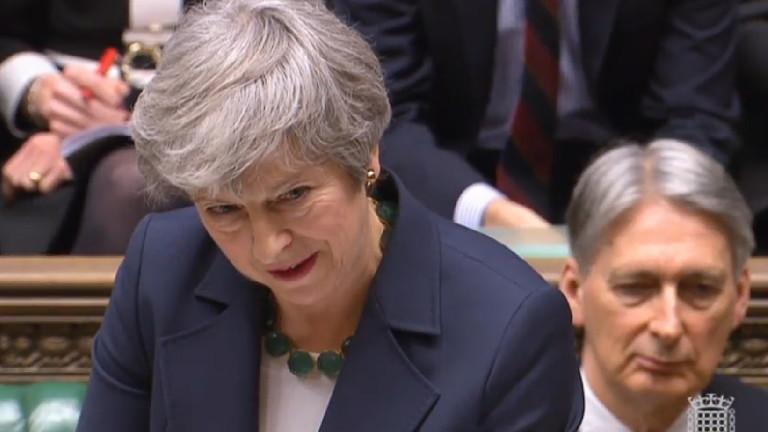 Вдигат залозите за Брекзит със сделка