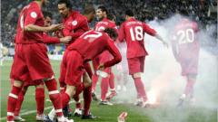Турция без титулярния си вратар срещу Гърция