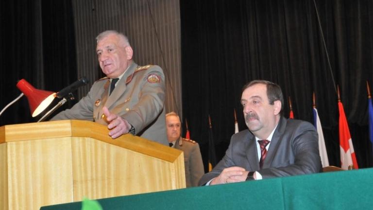 Генерал с опит от Ирак е временен командир на Сухопътни войски