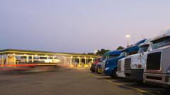 Сега крайпътните спирки за тирове са едни от най-важните бизнеси в САЩ