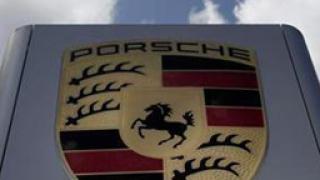 Volkswagen отложи сливането с Porsche
