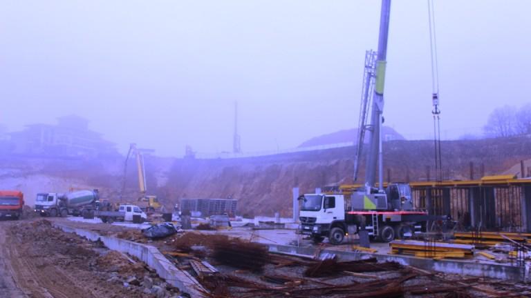 Подновяват замразения преди години строеж край Синеморец