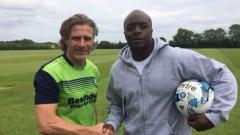 Адебайо Акинфенва бързо си намери нов клуб