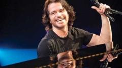 Yanni с концерт в зала 1 на НДК