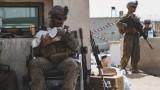 Три хеликоптера евакуират американци в Кабул