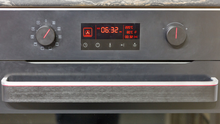 Европейската комисия (ЕК) очаква нарушената работа на часовниците на Стария