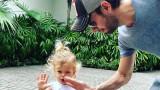 Енрике Иглесиас, дъщеря му Луси и как се забавляват двамата