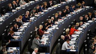 """Гласуват дали Пакетът """"Макрон"""" да влезе в пленарната зала на ЕП"""