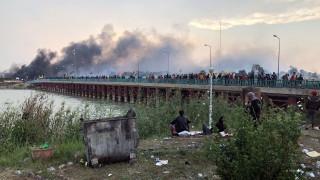 Протестиращи отново подпалиха иранското консулство в Ирак