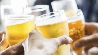 Нацията, известна със страстта си към бирата, не е пила толкова малко алкохол от половин век