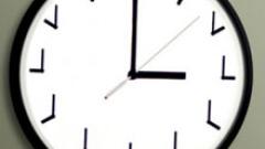 Местим часовника с 1 час напред