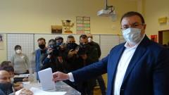 Здравният министър не очаква пик на коронавируса след вота
