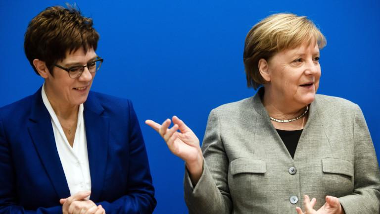 Меркел съжалява, че Каренбауер няма да се кандидатира за канцлер на Германия