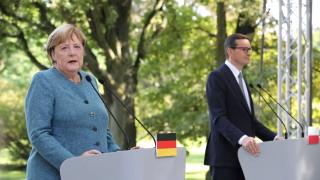 """Меркел умолява Беларус да помага на мигрантите вместо да извършва """"хибридни атаки"""""""