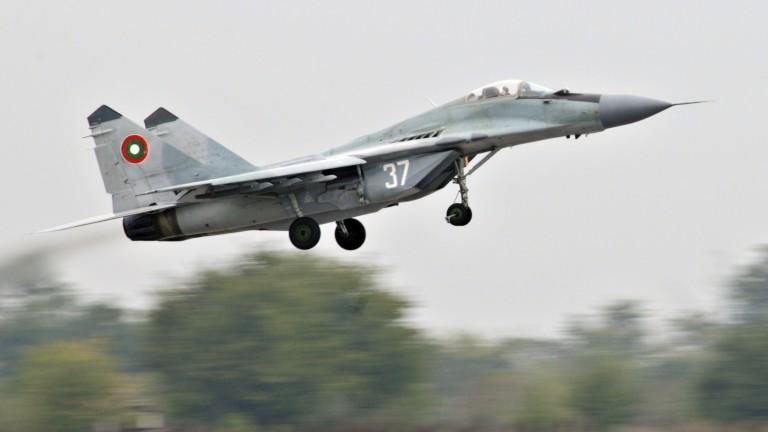 Каракачанов: МиГ-29 е още отворена страница, на която може да се пише