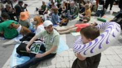 """""""Зелените"""" откриха кампанията си с плаж върху бетона"""