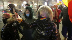 Полицаи извозиха пациенти от румънска болница, определена за лечение от COVID-19
