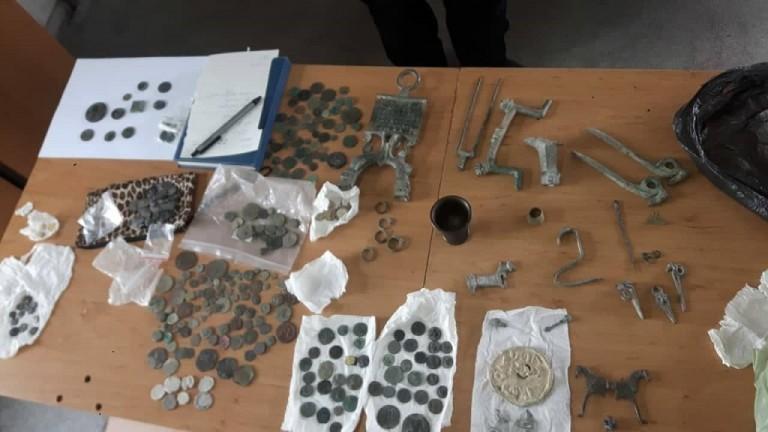 Снимка: Митничари хванаха контрабандно съкровище за 50 000 лева