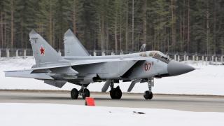 Руски МиГ-31 се  разби по време на тренировъчен полет в Сибир