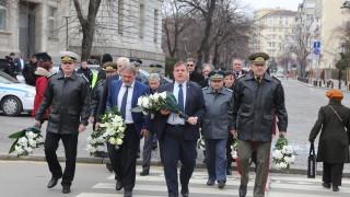 Каракачанов призова политиците да четат повече Левски
