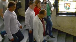 Перник покрай София изпревари Варна по доходи, Пребиха топнотариус