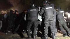 Оператор, репортер и полицай са пострадали при протестите в Габрово