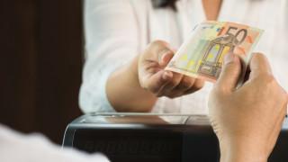 Банковите преводи между България и ЕС ще поевтинеят десетки пъти