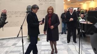 Мая Манолова кани еврокомисар на гости в столична панелка
