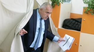 Борисов агитира за референдума рано-рано в Банкя